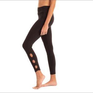 NWT Synergy Nomad Chakra Leggings Organic L Black